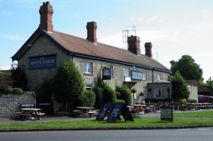 White Horse at Empingham - Oakham High Street.Biz