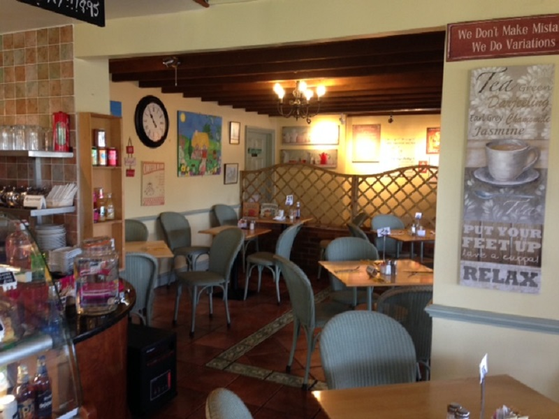 potting-shed-cafe-rutland-village-oakham-high-street-3