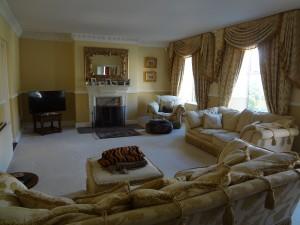 Luffenham Court Best Lounge - Oakham High Street