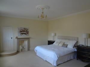 Luffenham Court Master Bedroom - Oakham High Street